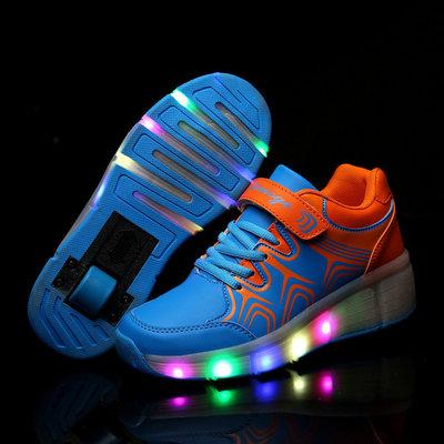 Schoenen op wieltjes blauw